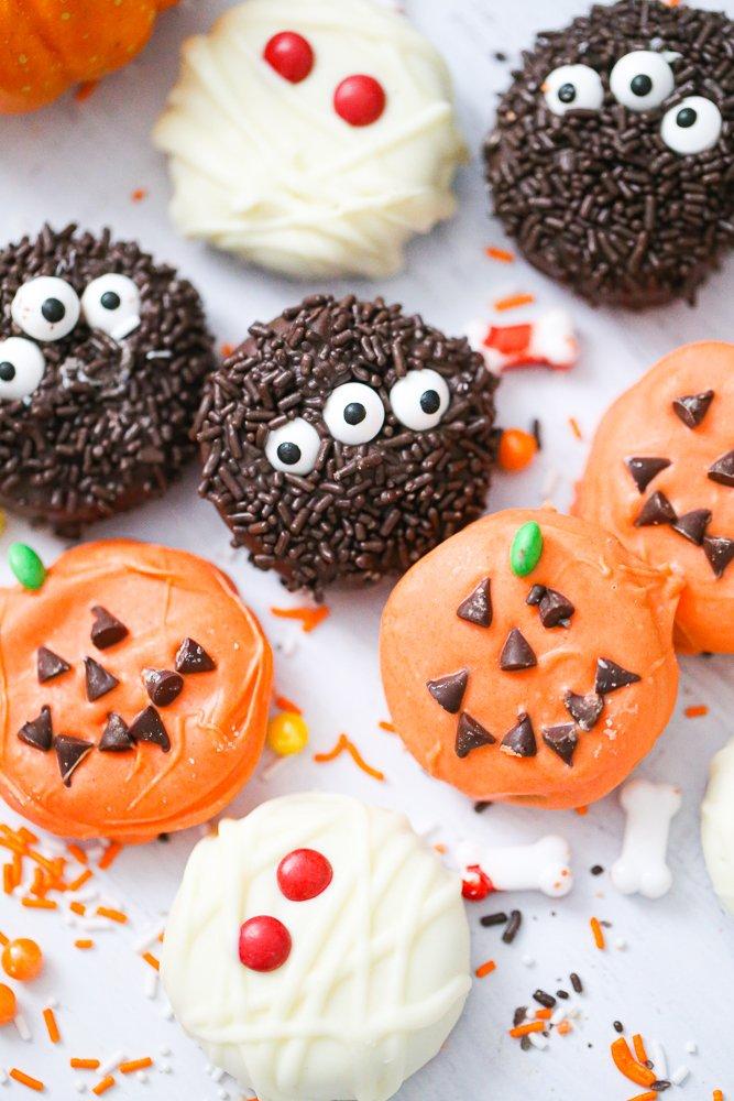 Easy Halloween Chocolate Covered OREO Treats