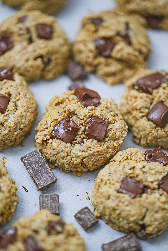Healthy Oatmeal Peanut Butter Chocolate Chunk Cookies
